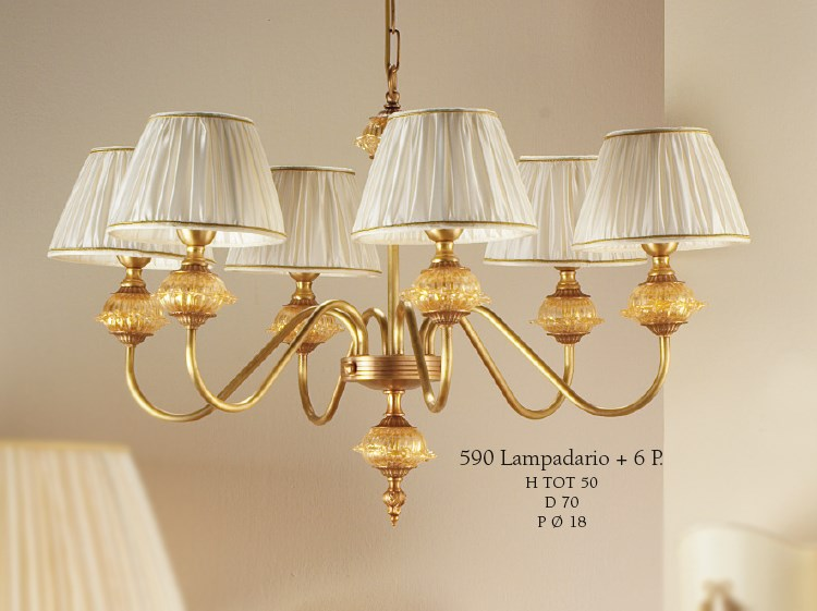 590 Chandeliers Classic