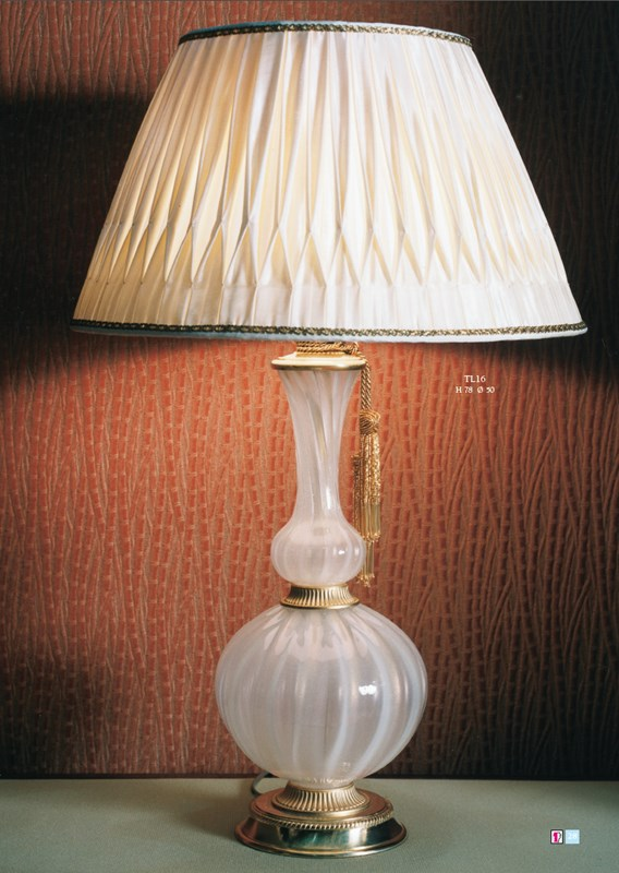 TL16 Table Lamps Classic